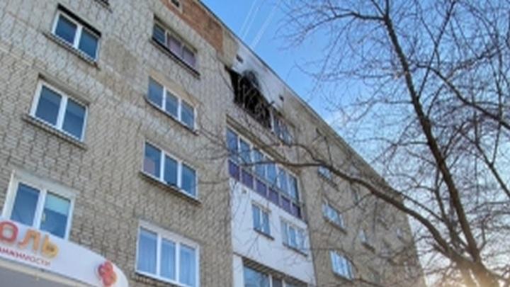 23-летняя сибирячка выпрыгнула из окна пятого этажа во время пожара и умерла