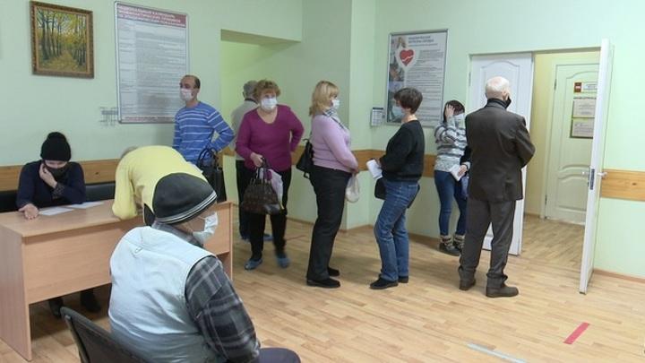 Заболеваемость коронавирусом в России снизится вдвое к апрелю