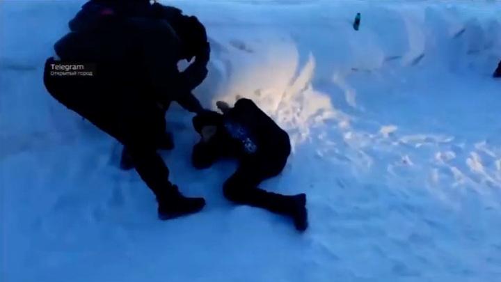 Стали известны подробности массовой драки подростков в Кузбассе