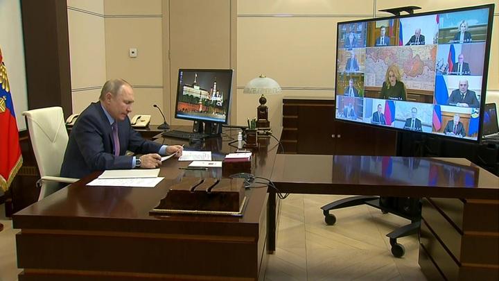 Путин: промышленное производство вакцины работает с опережением графика
