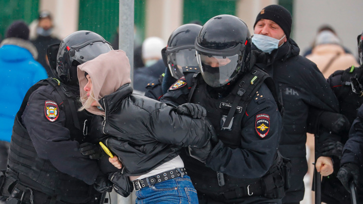 """У """"Матросской тишины"""" задерживают участников несогласованной акции"""