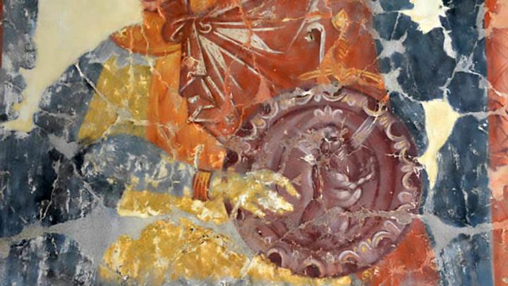 Старинную роспись золотыми красками обнаружили в одном из храмов на Урале