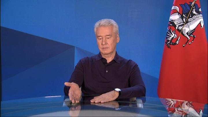 Собянин объяснил выбор антиковидной меры