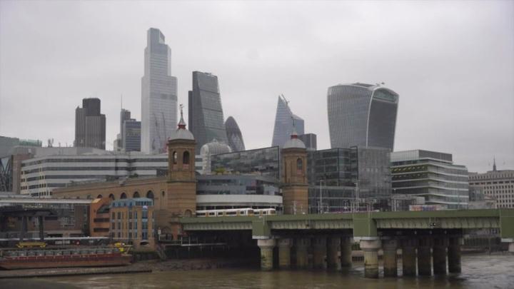 В Великобритании назвали примерную дату перезапуска международного туризма