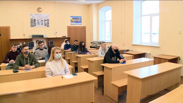 Пензенские студенты начали возвращаться к очному формату обучения