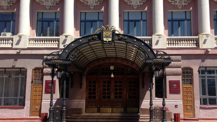 """Оренбургские студенты, работавшие в """"красной зоне"""", получат награду из рук мэра"""
