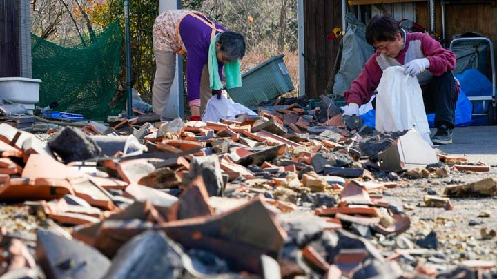 Сильное землетрясение произошло на северо-востоке Японии, объявлена угроза цунами