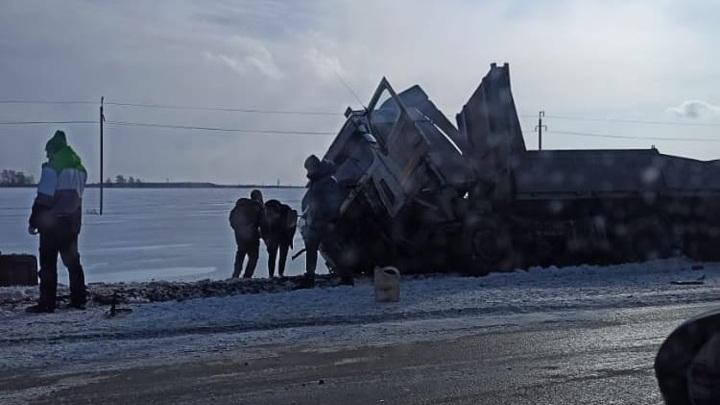 В Татарстане в ДТП с фурой умерли двое, среди погибших есть несовершеннолетняя