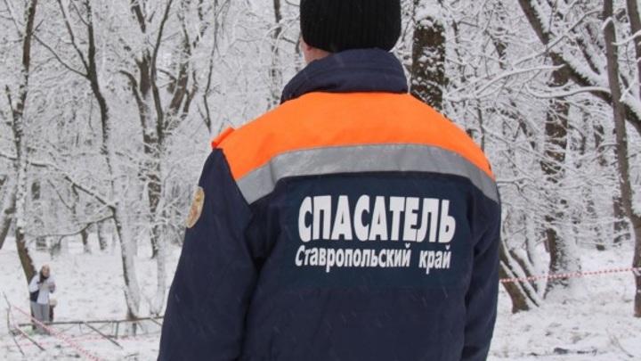 Жители Ставрополья заблудились ночью в лесу, их вызволили спасатели
