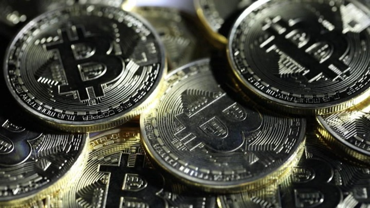 Стоимость биткоина за сутки выросла более чем на 5%