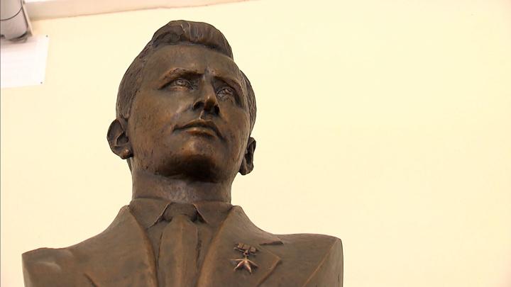 Дважды спас планету от войны: в Москве увековечили память Феклисова