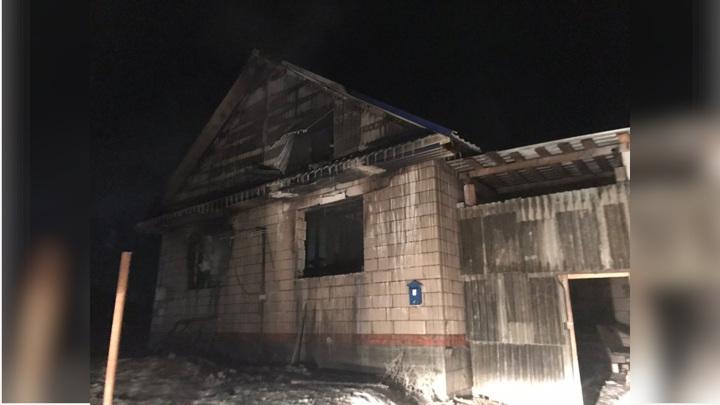 В Пермском крае дети, оставшись дома одни, погибли на пожаре