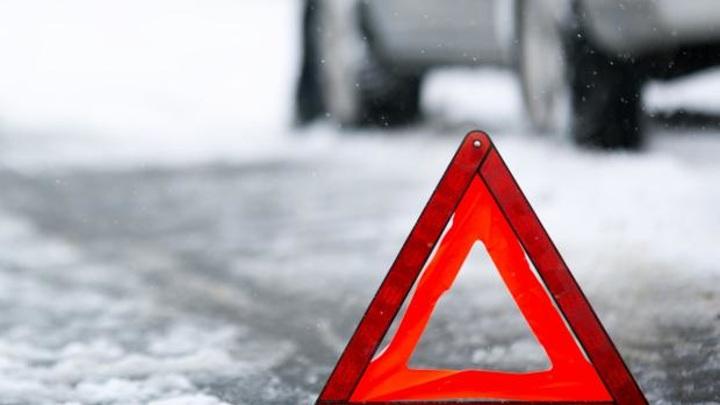 7 человек погибли в столкновении грузовика и легкового авто в Самарской области