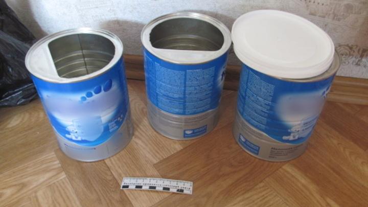 Три килограмма наркотика в банках из-под детского питания привез курьер на Сахалин