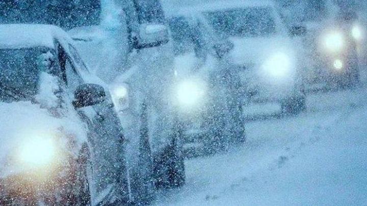 На трассе Новороссийск – Керчь ограничено движение из-за снегопада и гололеда