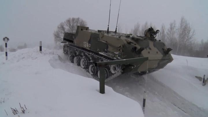 Ульяновский дрифт. Десантники устроили тренировку по скоростному вождению БТР