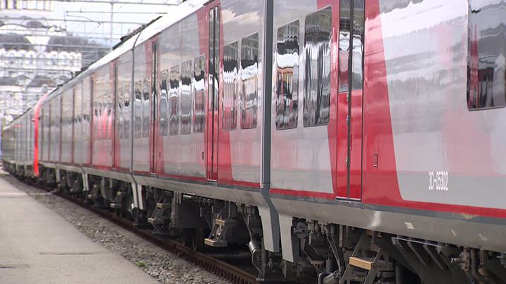 Скоростной поезд насмерть сбил женщину в Сочи