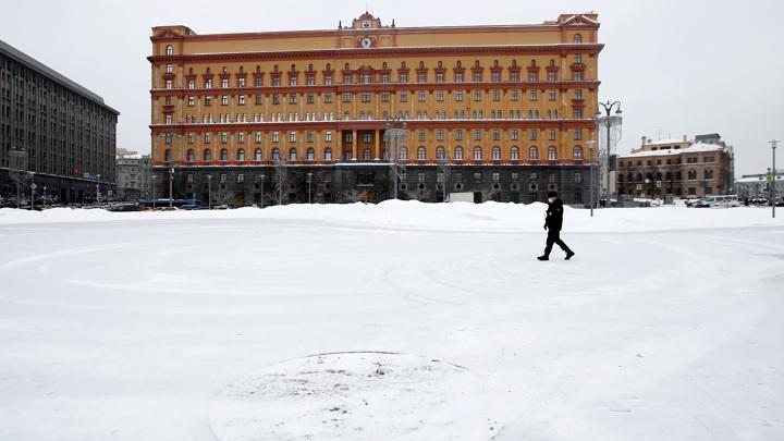 В Кремле рассказали, кто вправе решать судьбу памятника на Лубянке
