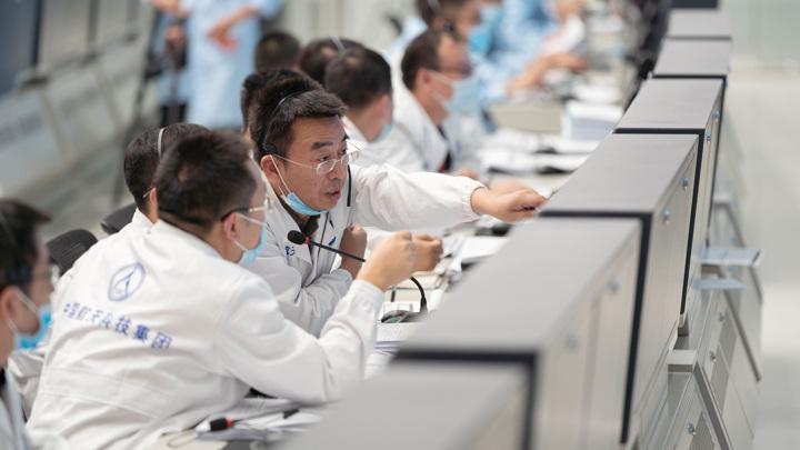 Китайские космические инженеры осуществили важнейшую операцию.