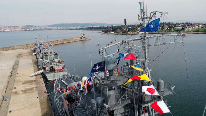 Черноморский флот России следит за кораблями НАТО