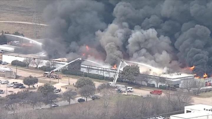 Сильный пожар в Техасе: не менее трех пострадавших