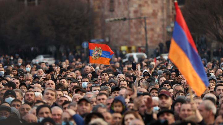 Саркисян и Пашинян провели встречу и обсудили внутриполитическую ситуацию