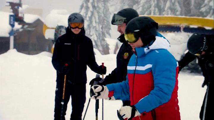 Лукашенко предложил сыну проложить лыжню для него и Путина