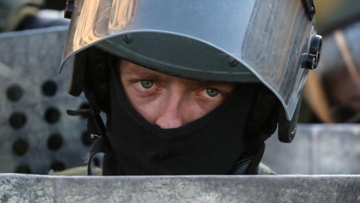 В Череповце пьяный контрактник напал на сотрудника ОМОН