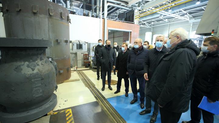 """Губернатор Тоской области и замглавы """"Газпрома"""" провели рабочую встречу"""