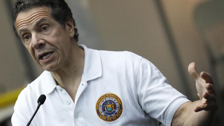 Губернатор Нью-Йорка: мне стыдно, но в отставку я не уйду