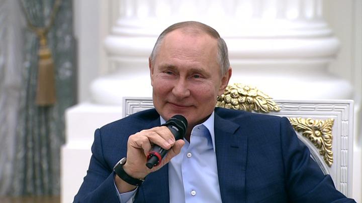 Владимир Путин попросил не приписывать ему еще один дворец