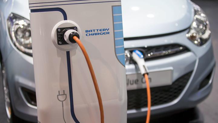 В Москве заработала автомобильная зарядная станция нового формата