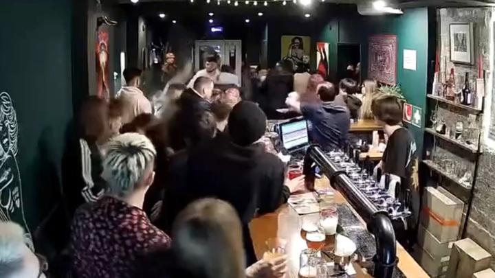 """""""Вы покойники!"""": массовая драка на тату-вечеринке попала на видео"""