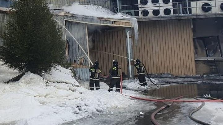 В Новотроицке полностью ликвидирован пожар на мясокомбинате