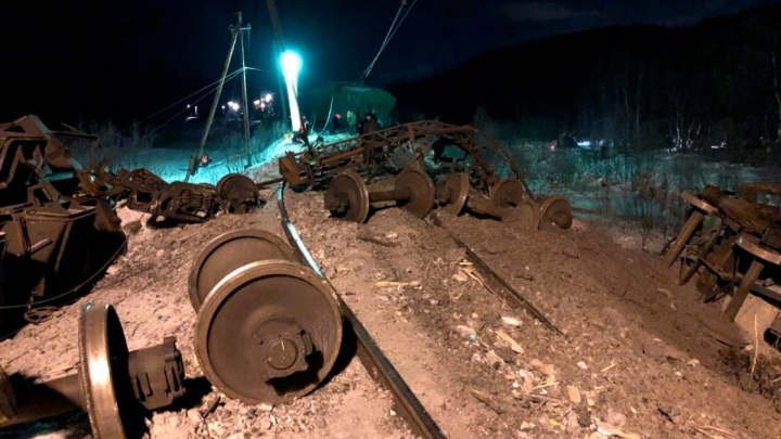 Сход вагонов с рельсов нарушил движение поездов в Забайкалье