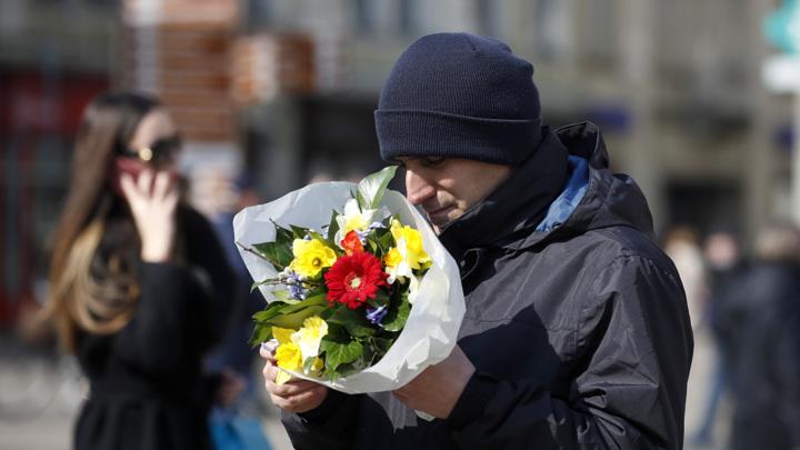 Россияне потратили полмиллиарда на цветы и подарки к 8 марта