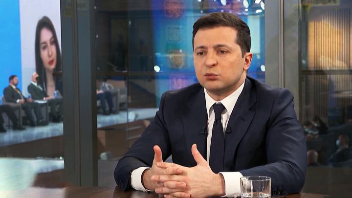 Зеленский пообещал добить оппозиционные СМИ и объявил войну врагам