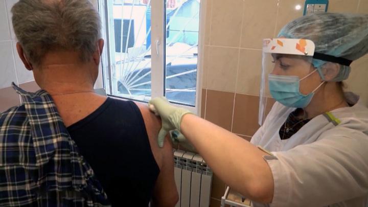 В лидеры по вакцинации от коронавируса попала Колыма
