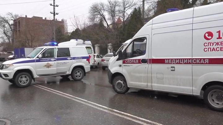 Силовики осадили дом предполагаемого боевика в Махачкале