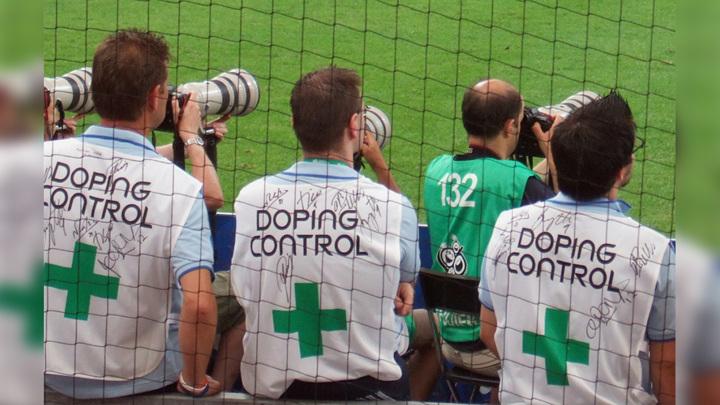 ФИФА открыла допинговое дело на трех игроков из России
