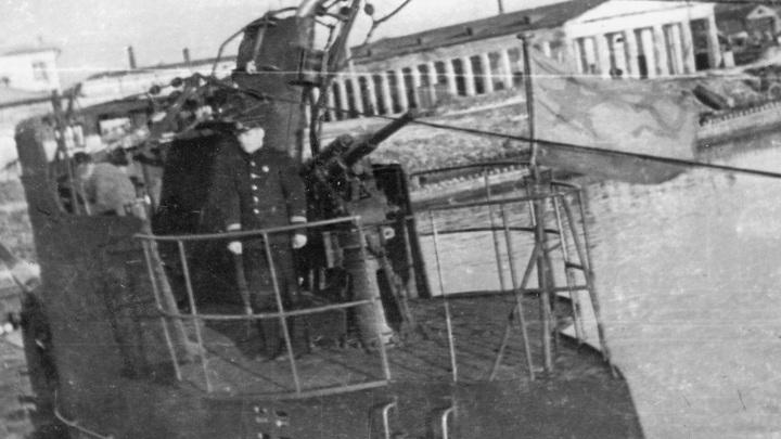 """13.11.1942г. во время четвёртого боевого похода """"Л-3"""" при выходе в атаку попала под таранный удар транспорта. Были выведены из строя оба перископа, сбит репитер гирокомпаса, имелись другие повреждения"""