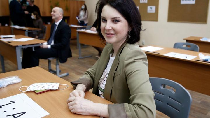 Снова в школу: чиновники и родители сдали пробный ЕГЭ по русскому языку