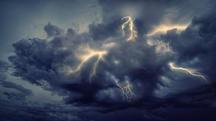 4,5 миллиарда лет назад в поверхность Земли ударяло несколько миллиардов молний ежегодно.