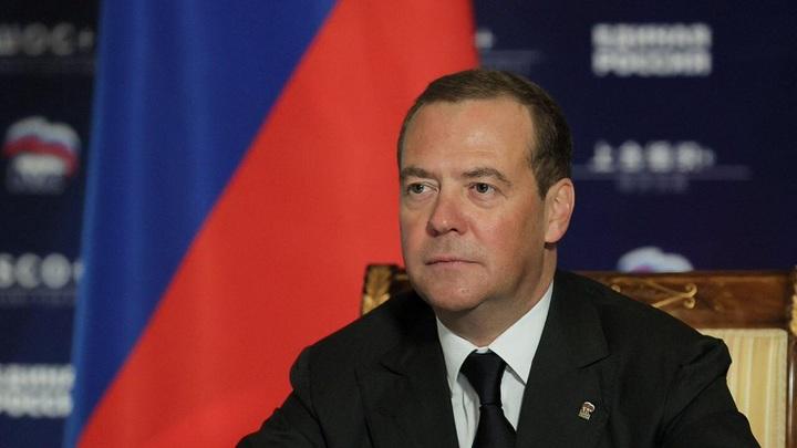 Медведев: Байден производил адекватное впечатление, но время его не пощадило