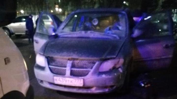 Названа предполагаемая причина смерти трех человек в автомобиле в Туле