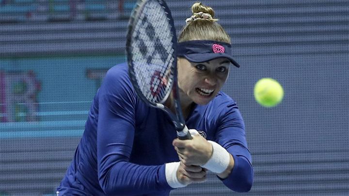 Звонарева потерпела поражение во втором круге турнира в Турции