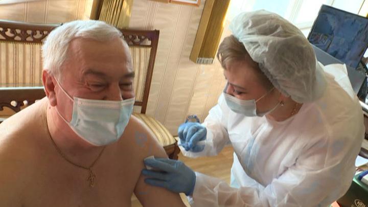 В омском Минздраве прокомментировали случаи принуждения к вакцинации от COVID-19