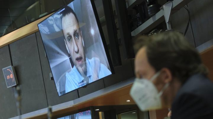 Навальный будет участвовать в заседании суда по видеосвязи