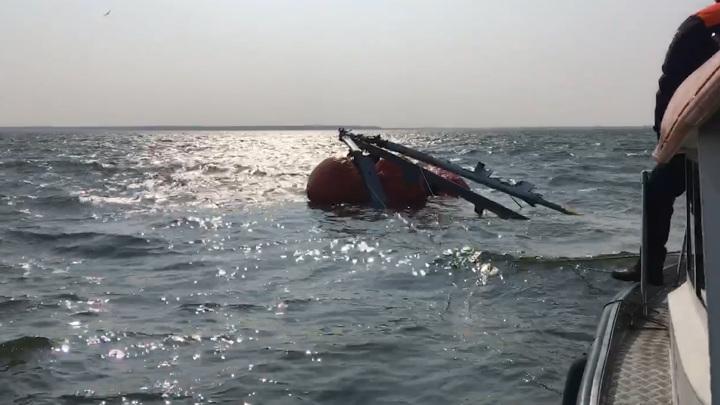 В Куршском заливе начаты мероприятия по подъему вертолета Ка-32