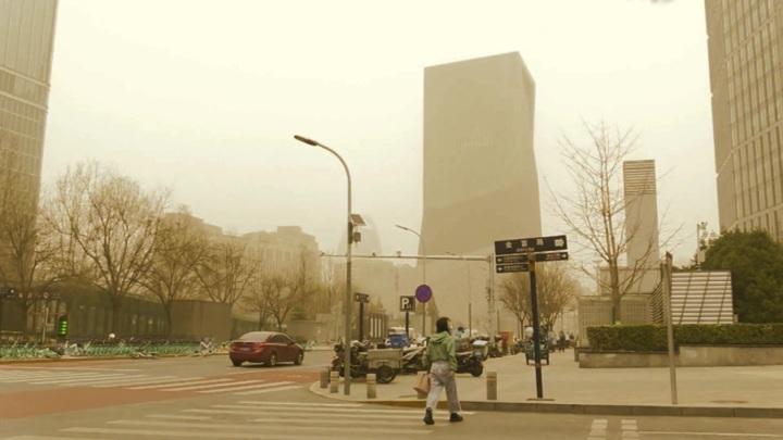 Над Пекином разразилась песчаная буря
